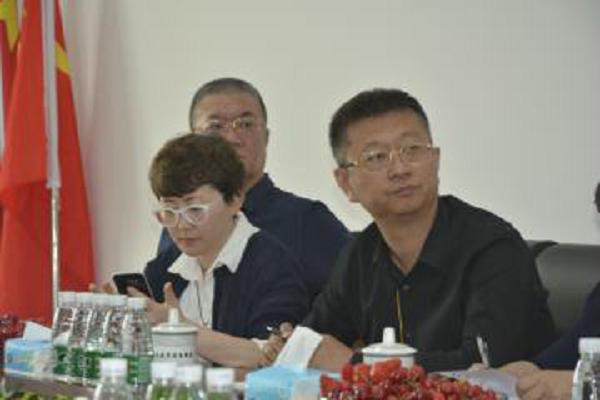 进企业 议创新 话发展 谋未来――市工商联参政议政委员会委员到黑龙江千洛电子商务有限公司调研